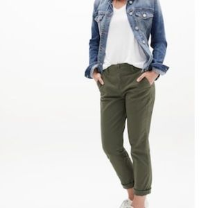 GAP Girlfriend Olive Khaki Cropped Pants